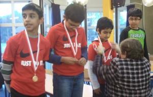 Toernooiwinnaars ontvangen medaille