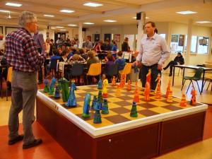 Het reuzenschaakspel nodigde uit tot spelen!